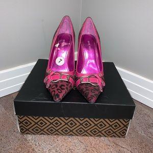 Pink leopard print Nine West pumps